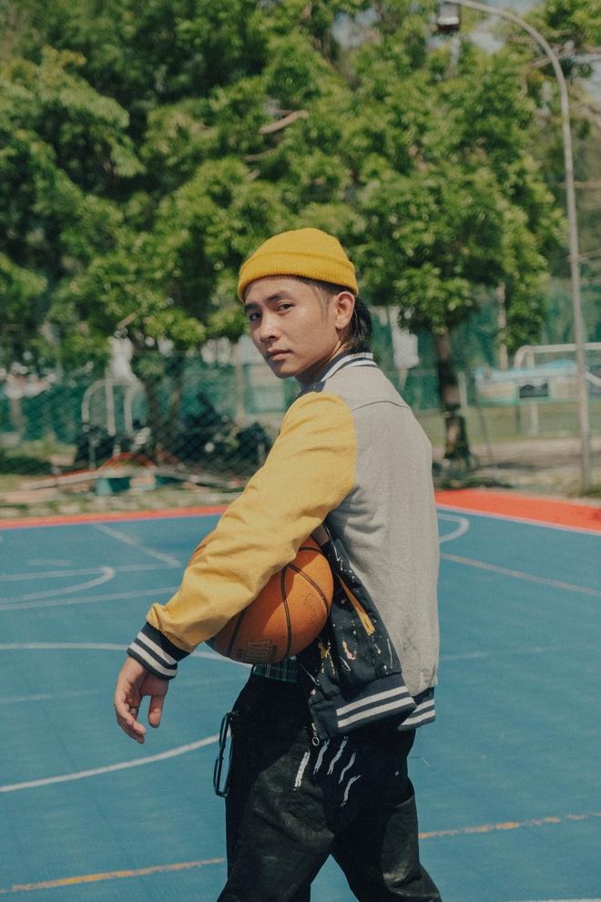 """Ricky Star - Chàng rapper 5 nón vàng làm """"bùng nổ"""" Rap Việt, rap bài nào cũng tạo trend - Ảnh 7."""
