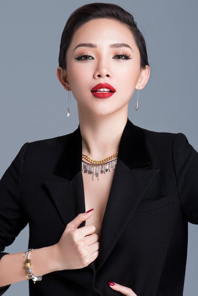 Thu Trang khoe ảnh lột xác gây xôn xao MXH, Tiến Luật xém nhận nhầm vợ thành Tóc Tiên nhưng may bẻ lái quá tài tình - Ảnh 3.