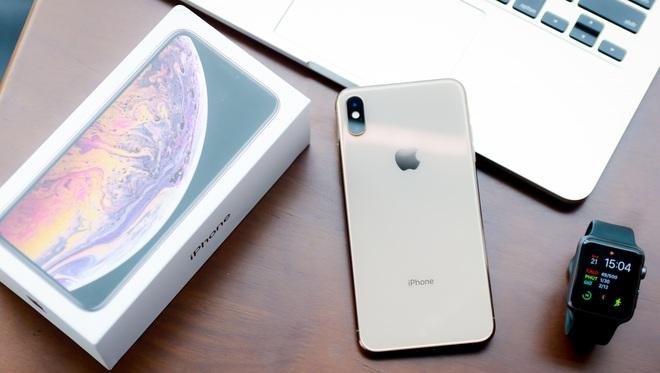 Có nên mua iPhone XS/ XS Max? - Ảnh 1.