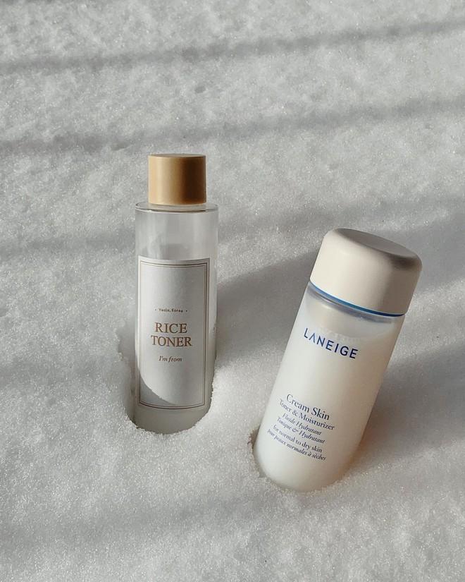 Beauty blogger Hàn đặt lên bàn cân hai sản phẩm dưỡng ẩm cho da được quan tâm nhiều hiện nay, xem ngay để chọn loại phù hợp cho mình - ảnh 2