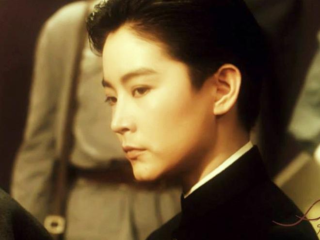 Đây chính là mỹ nhân giả trai đỉnh nhất màn ảnh Hoa ngữ, visual chuẩn soái ca khiến phụ nữ cũng phải mê mẩn - ảnh 19