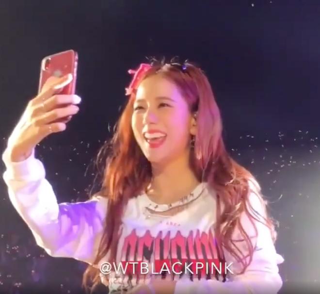 Nhìn lại 1001 tình huống BLACKPINK đắc tội với Samsung, thế này bảo sao netizen không tranh cãi - ảnh 10