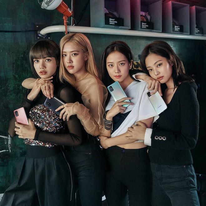 Không riêng gì BLACKPINK, BTS cũng bị soi ra 5 lần 7 lượt ngoại tình với iPhone trong khi đang làm đại sứ cho Samsung - ảnh 1