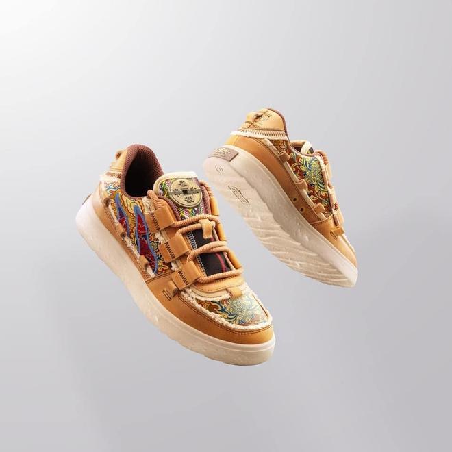 """Phó tổng GĐ Marketing Biti's đăng đàn xin lỗi vì dùng gấm Taobao cho đôi giày tôn vinh tinh thần Việt, người """"tố"""" bất ngờ vào nói 1 câu khó đỡ - ảnh 3"""