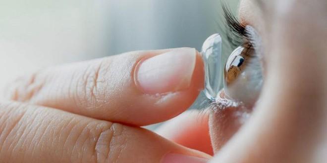 4 hành vi gây hại đôi mắt, thậm chí còn dễ dẫn đến mù lòa nhưng nhiều người vẫn hay mắc phải - ảnh 1