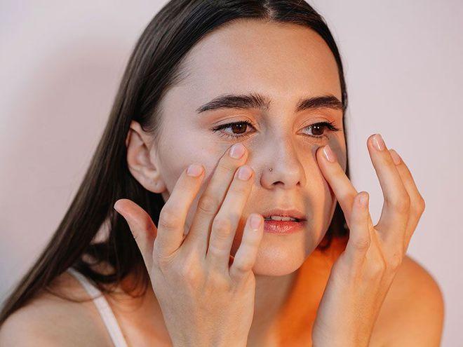 4 hành vi gây hại đôi mắt, thậm chí còn dễ dẫn đến mù lòa nhưng nhiều người vẫn hay mắc phải - ảnh 3