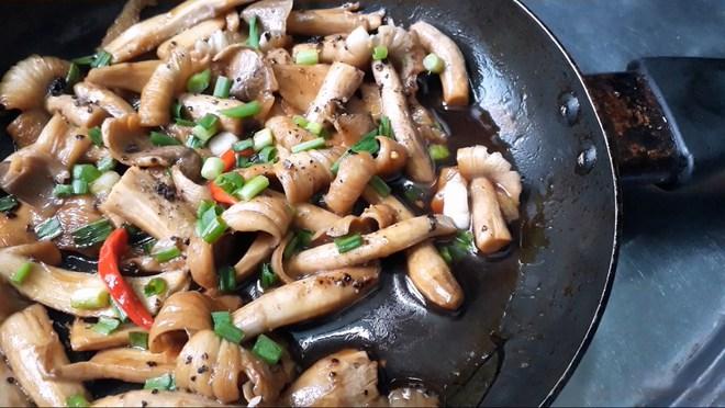 5 món ăn không nên hâm nóng lại vì dễ sản sinh độc tố gây ung thư, nhiều gia đình lại ăn mỗi sáng để tiết kiệm - ảnh 2