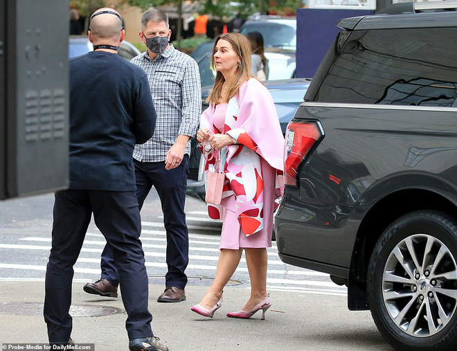 Ái nữ nhà tỷ phú Bill Gates lộ diện trước đám cưới, visual tựa công chúa của cô dâu mới khiến fan nức nở đẹp nhất từ trước đến nay - ảnh 1