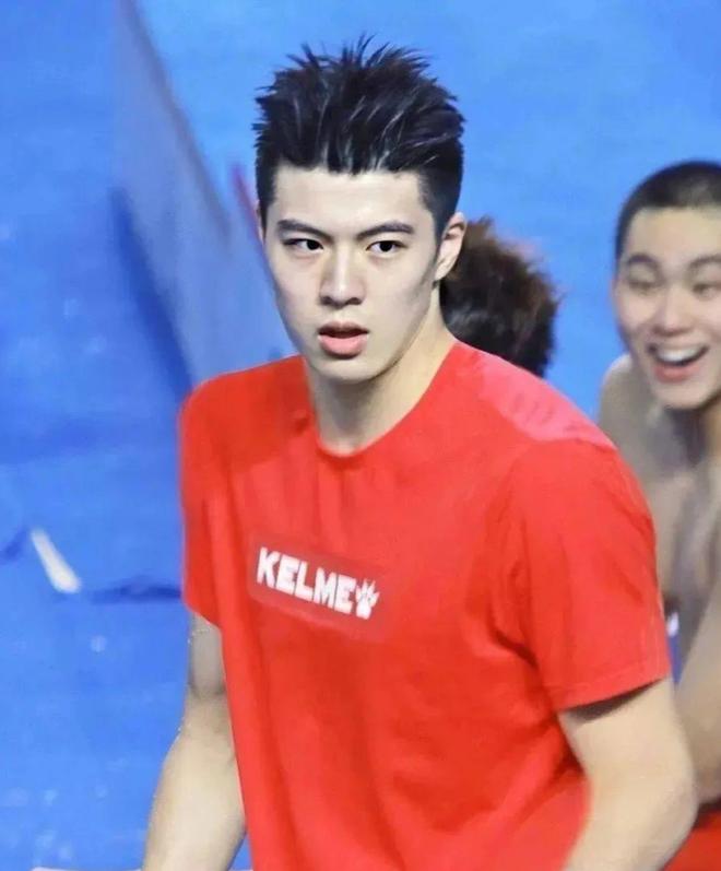 """Phát hiện mới của hội mê trai đẹp: Nam thần bơi lội với combo mặt thư sinh + body khét lẹt, mới 20 tuổi đã """"bén"""" chấn động - ảnh 3"""