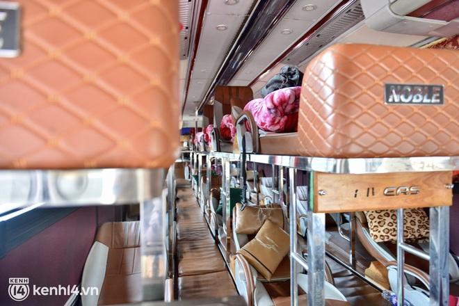 Diễn biến dịch ngày 14/10: Hành khách đi xe buýt, vận tải công cộng vào Hà Nội cần những thủ tục gì?; Vì sao TP.HCM chưa thể nới lỏng thêm các hoạt động như Hà Nội? - Ảnh 3.