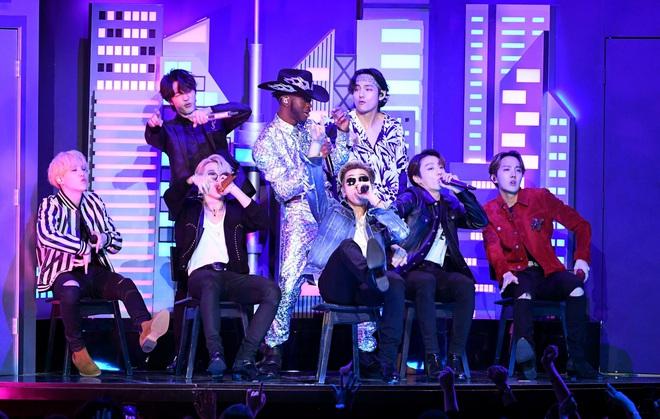 Tìm ra idol có sự nghiệp ấn tượng nhất lịch sử Kpop: 17 tuổi ra mắt, 3 năm sau có luôn Daesang, mới 24 tuổi đã được đề cử Grammy - ảnh 9