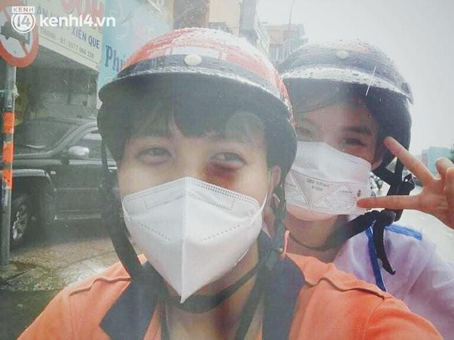"""Cái ôm bịn rịn của cô gái trường Y phải lòng chàng trai Hutech ngày tạm biệt Sài Gòn trở về Hà Nội: """"Hết dịch mình sẽ gặp nhau"""" - Ảnh 1."""