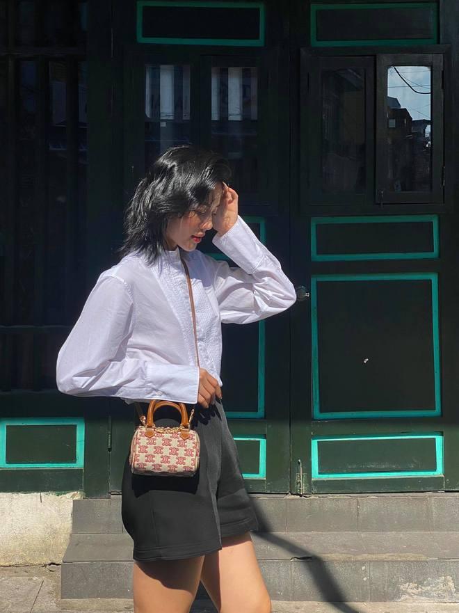 """Tưởng vô tình đụng túi với Lisa, nào ngờ Khánh Linh cố ý order giống: """"Thấy đẹp nên mua luôn"""" - Mix & Phối 4"""