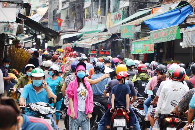 Chùm ảnh: Chợ hoa lớn nhất Sài Gòn