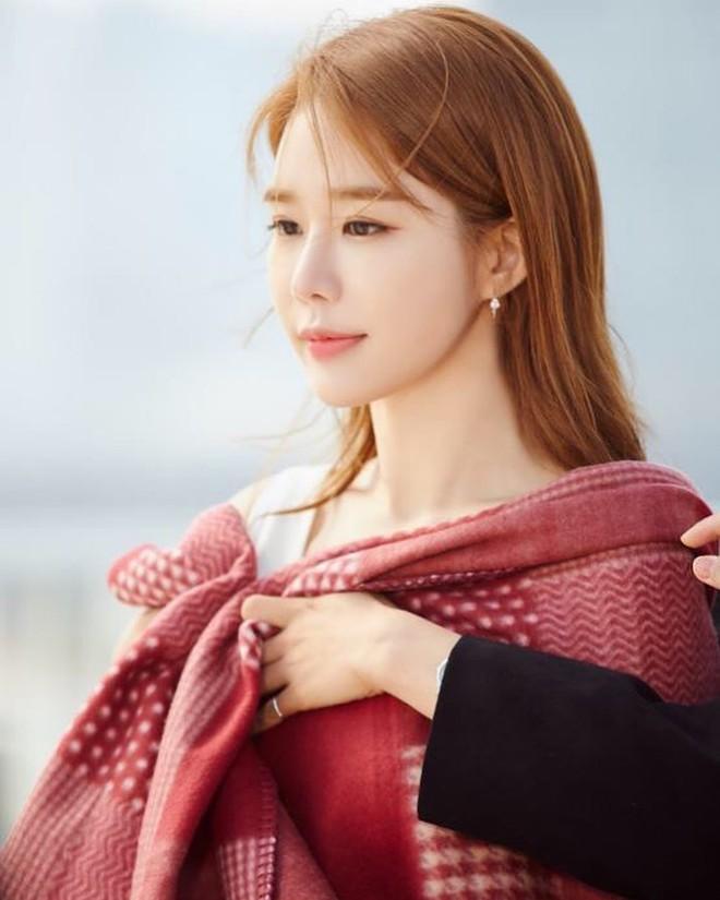 Dàn mỹ nhân Gia Đình Là Số 1 dính lời nguyền: Hwang Jung Eum bị CEO phụ bạc, Yoo In Na và Hoa hậu Hàn khổ vì bê bối tình dục - ảnh 13