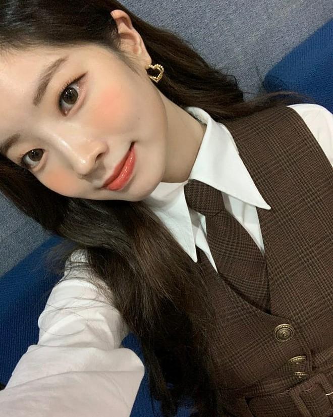4 chiêu makeup đang được sao Hàn yêu thích, các nàng copy theo là nhan sắc long lanh hết nút - Ảnh 1.