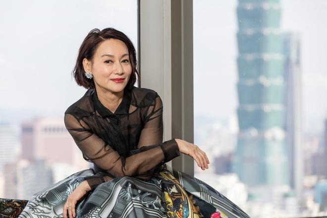 Mỹ nhân Hồng Kông 60 tuổi mà da vẫn đẹp nuột nà: Bí quyết ở 2 nguyên liệu rẻ tiền mà ai cũng có thể học theo - ảnh 2
