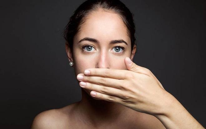 Không phân biệt nam nữ, sáng thức dậy mà gặp phải 4 dấu hiệu bất thường thì cần đi khám gan ngay - ảnh 2