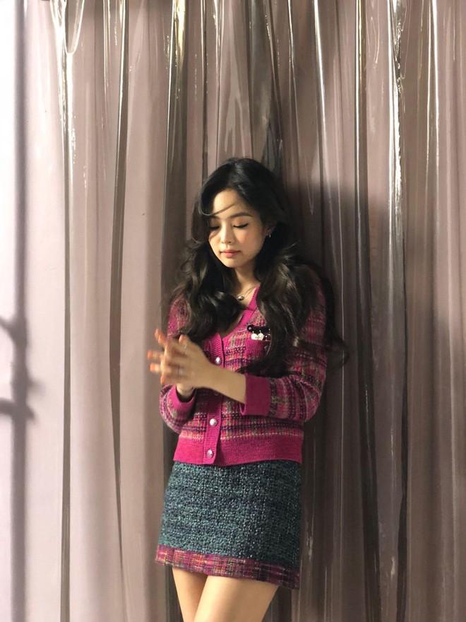 Choáng với thần thái của Jennie: High-fashion hết nấc, ảnh chụp vội mà đỉnh chẳng khác hình tạp chí - ảnh 7