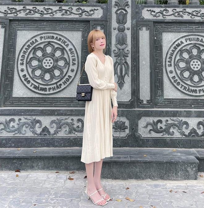 5 mẫu giày hoàn hảo để mix với váy trắng: Vừa tôn dáng hết cỡ, vừa tăng gấp mấy lần vẻ tinh tế và sang chảnh - Ảnh 4.