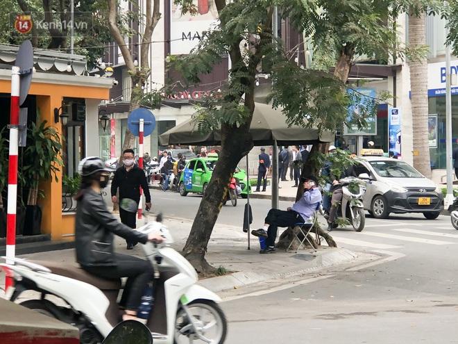 Hà Nội: Ca Covid-19 đến ăn tất niên, nhà hàng chả cá trên phố Bà Triệu phải đóng cửa - Ảnh 1.