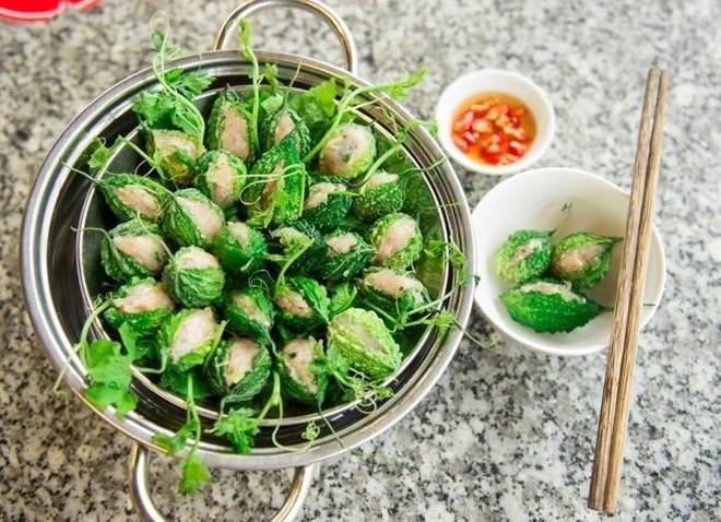 Huỳnh Lập kinh ngạc khi thấy loại quả đầy gai xuất hiện trong vườn nhà Hoài Linh, đảm bảo dân thành thị cực hiếm người biết - Ảnh 5.
