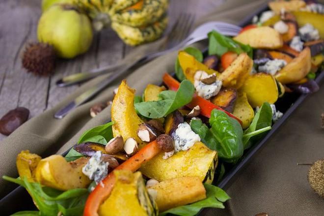8 loại thực phẩm không nên hâm nóng trong lò vi sóng vì rất dễ gây hại cho sức khỏe khi ăn - ảnh 3