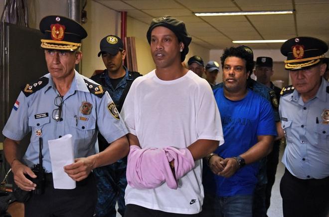 Mẹ Ronaldinho qua đời ở tuổi 71 sau khi nhiễm Covid-19 - ảnh 3