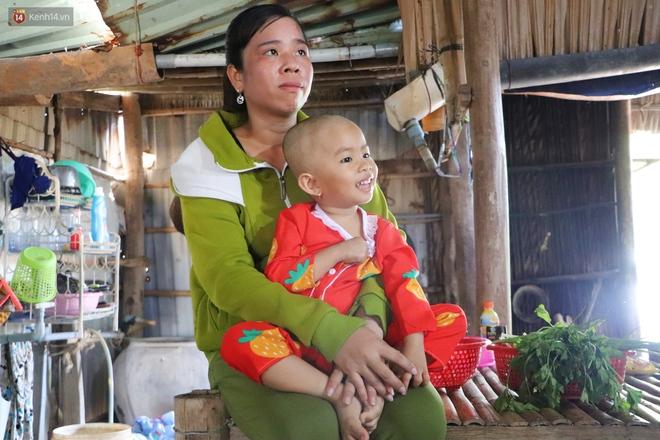 Chồng mất, con gái 3 tuổi mắc ung thư, người phụ nữ ngã quỵ khi chạy khắp xóm không mượn đủ 1 triệu đưa con nhập viện - ảnh 11