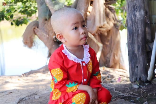 Chồng mất, con gái 3 tuổi mắc ung thư, người phụ nữ ngã quỵ khi chạy khắp xóm không mượn đủ 1 triệu đưa con nhập viện - Ảnh 13.