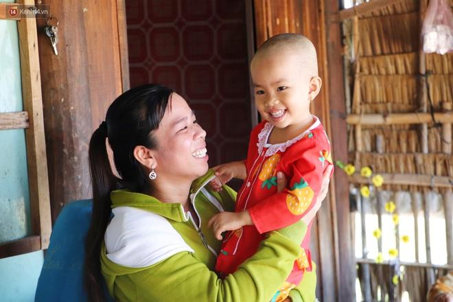 Chồng mất, con gái 3 tuổi mắc ung thư, người phụ nữ ngã quỵ khi chạy khắp xóm không mượn đủ 1 triệu đưa con nhập viện - ảnh 19