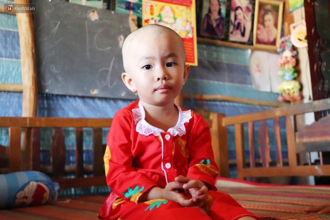Chồng mất, con gái 3 tuổi mắc ung thư, người phụ nữ ngã quỵ khi chạy khắp xóm không mượn đủ 1 triệu đưa con nhập viện - Ảnh 4.