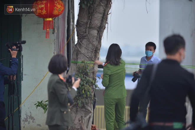 Cận cảnh hiện trường xảy ra vụ án mạng kinh hoàng khiến 8 người thương vong trong quán karaoke ở Hòa Bình - Ảnh 2.