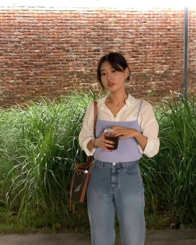 """Trời xuân ấm áp, diện sơ mi theo 5 công thức """"ruột"""" của gái Hàn là đảm bảo vừa xinh, vừa sang hết ý - ảnh 14"""