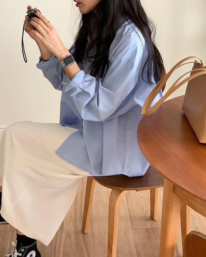 """Trời xuân ấm áp, diện sơ mi theo 5 công thức """"ruột"""" của gái Hàn là đảm bảo vừa xinh, vừa sang hết ý - ảnh 17"""
