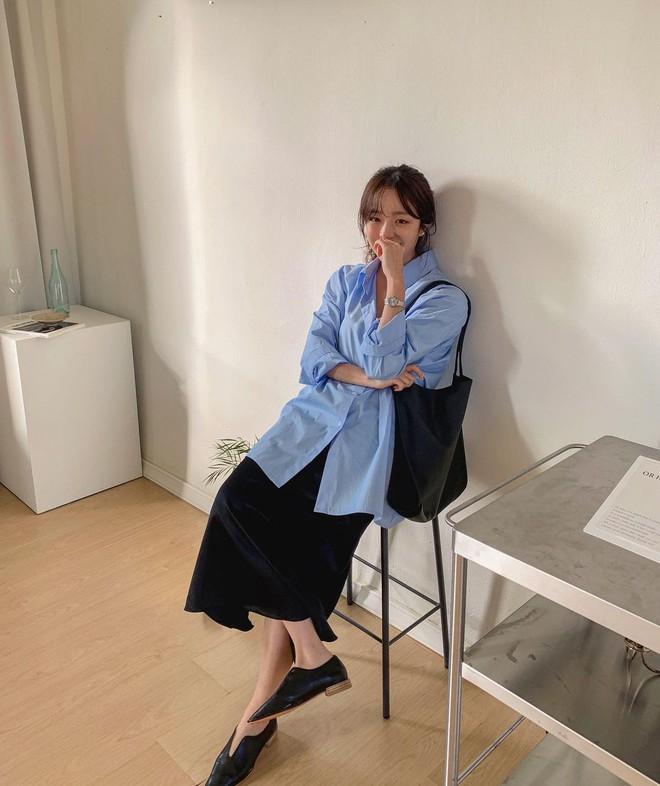 """Trời xuân ấm áp, diện sơ mi theo 5 công thức """"ruột"""" của gái Hàn là đảm bảo vừa xinh, vừa sang hết ý - ảnh 20"""