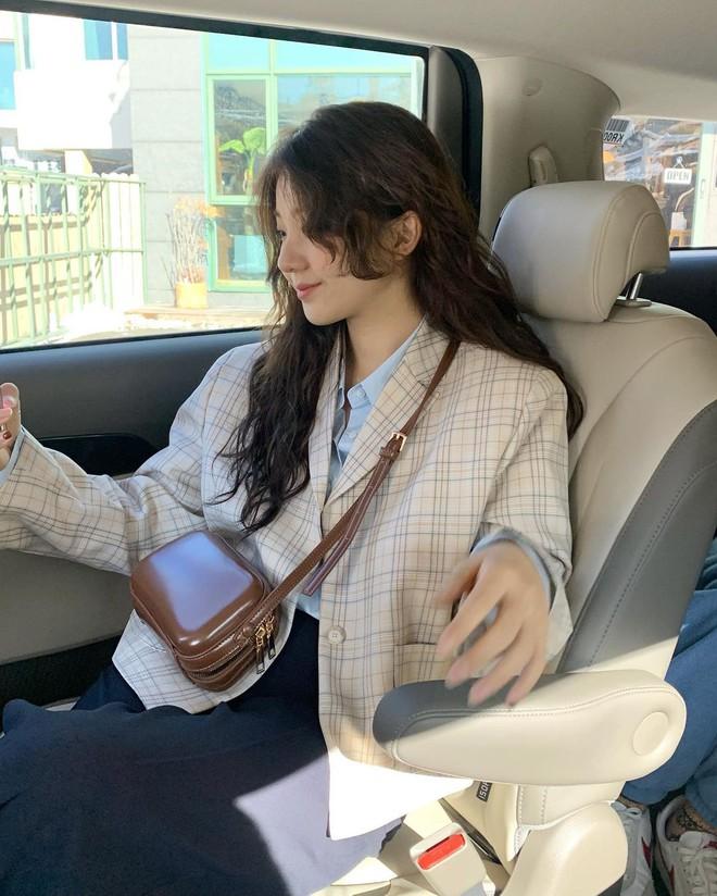 """Trời xuân ấm áp, diện sơ mi theo 5 công thức """"ruột"""" của gái Hàn là đảm bảo vừa xinh, vừa sang hết ý - ảnh 7"""