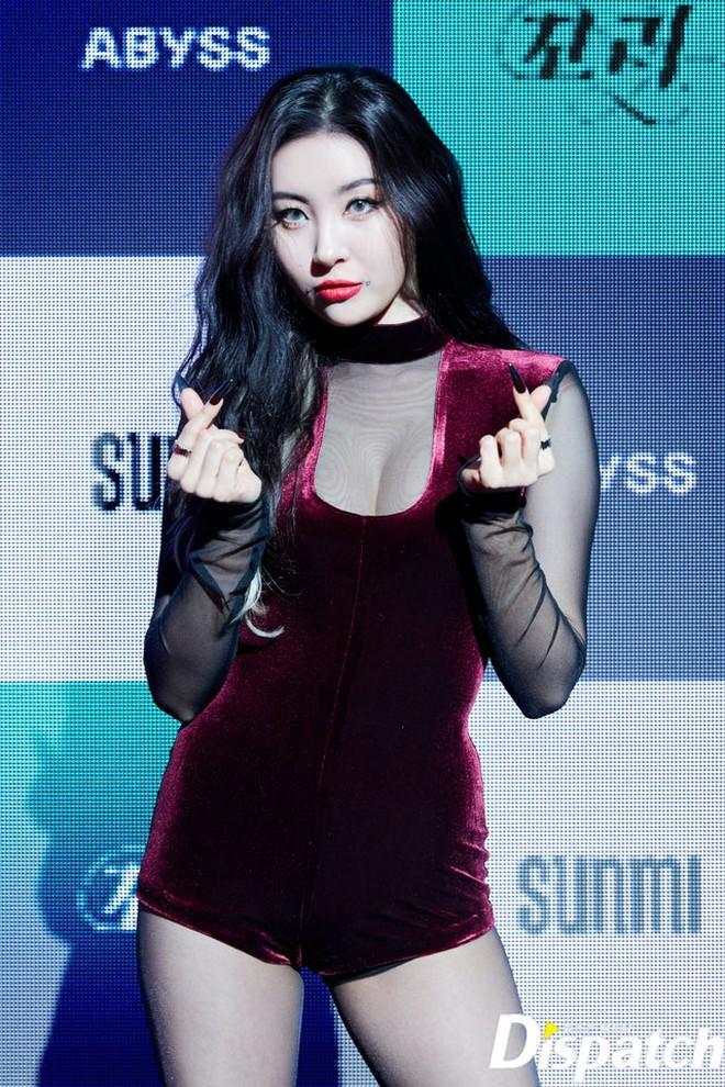 Cnet chỉ trích vũ đạo gợi dục trong MV của Sunmi, so sánh với nhóm nữ tai tiếng năm xưa vì nhạy cảm đến mức khó chấp nhận - ảnh 6