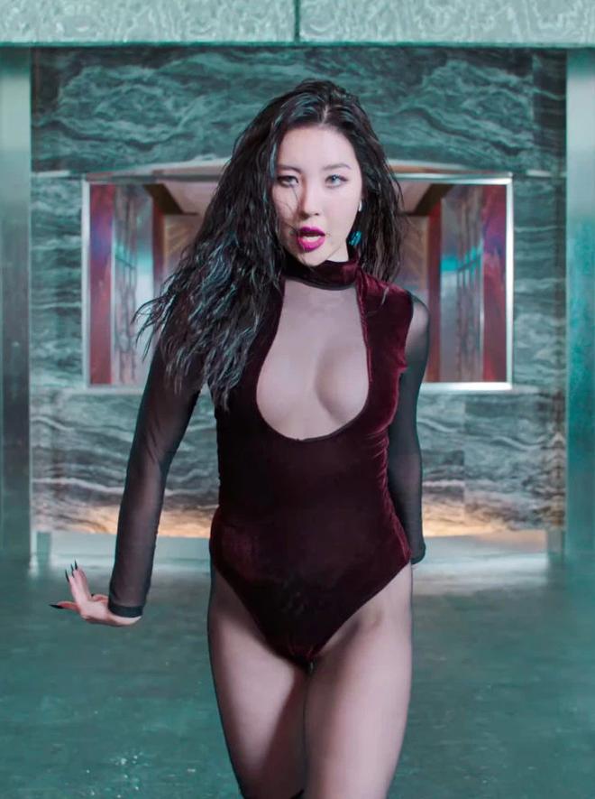 Cnet chỉ trích vũ đạo gợi dục trong MV của Sunmi, so sánh với nhóm nữ tai tiếng năm xưa vì nhạy cảm đến mức khó chấp nhận - ảnh 5