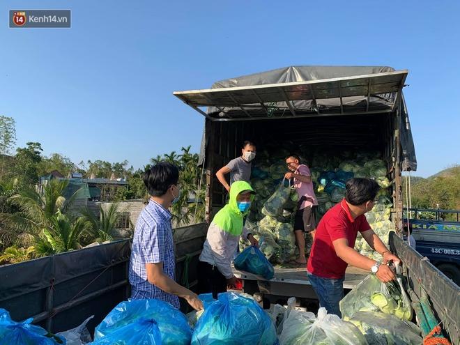 Ảnh: Người Đà Nẵng nườm nượp kéo nhau giải cứu nông sản cho nông dân Hải Dương - ảnh 7