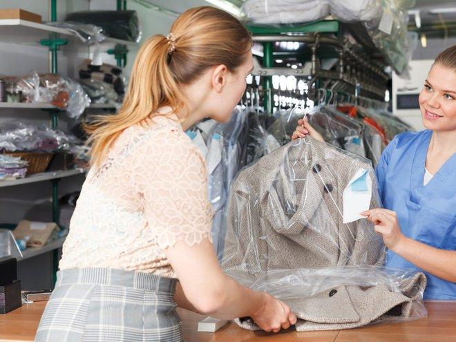 Từ chuyện Tóc Tiên gửi váy cưới sang Mỹ để giặt: Hóa ra có dịch vụ giặt dành riêng cho đồ hiệu xa xỉ, mức phí lên tới nửa tỷ - ảnh 5