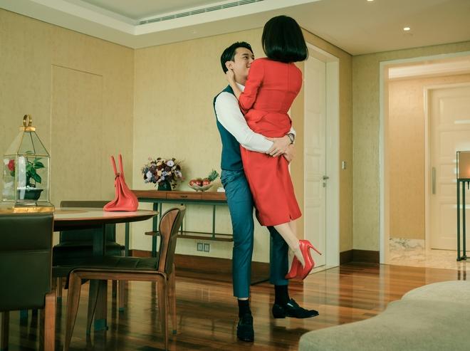 5 cảnh nóng nhức mắt của Kaity Nguyễn ở Gái Già Lắm Chiêu V: Hết đè ngửa đòi hôn đến lột sạch bạn diễn - ảnh 10