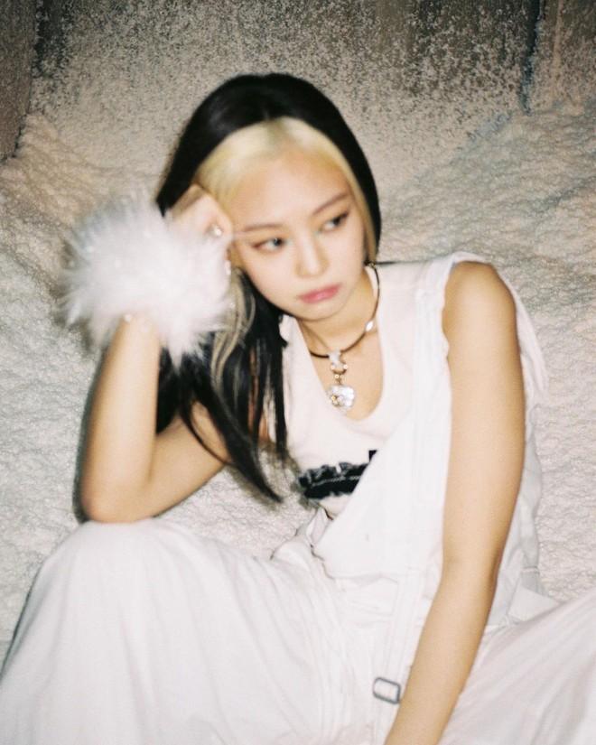 1001 hint hẹn hò của Jennie - G-Dragon: Chàng là động lực giúp nàng debut, nàng tung ảnh đồ đôi, chi tiết trùng hợp đáng ngờ - ảnh 2