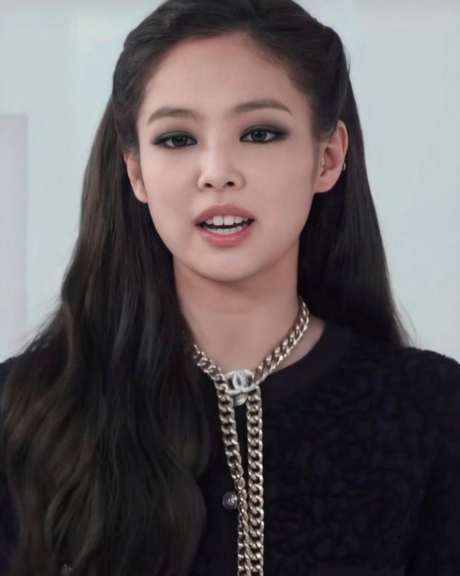 1001 hint hẹn hò của Jennie - G-Dragon: Chàng là động lực giúp nàng debut, nàng tung ảnh đồ đôi, chi tiết trùng hợp đáng ngờ - ảnh 5
