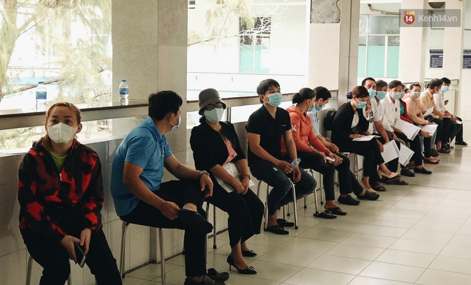 Cận cảnh những mũi tiêm vaccine Covid-19 của Việt Nam cho người dân Long An - ảnh 1