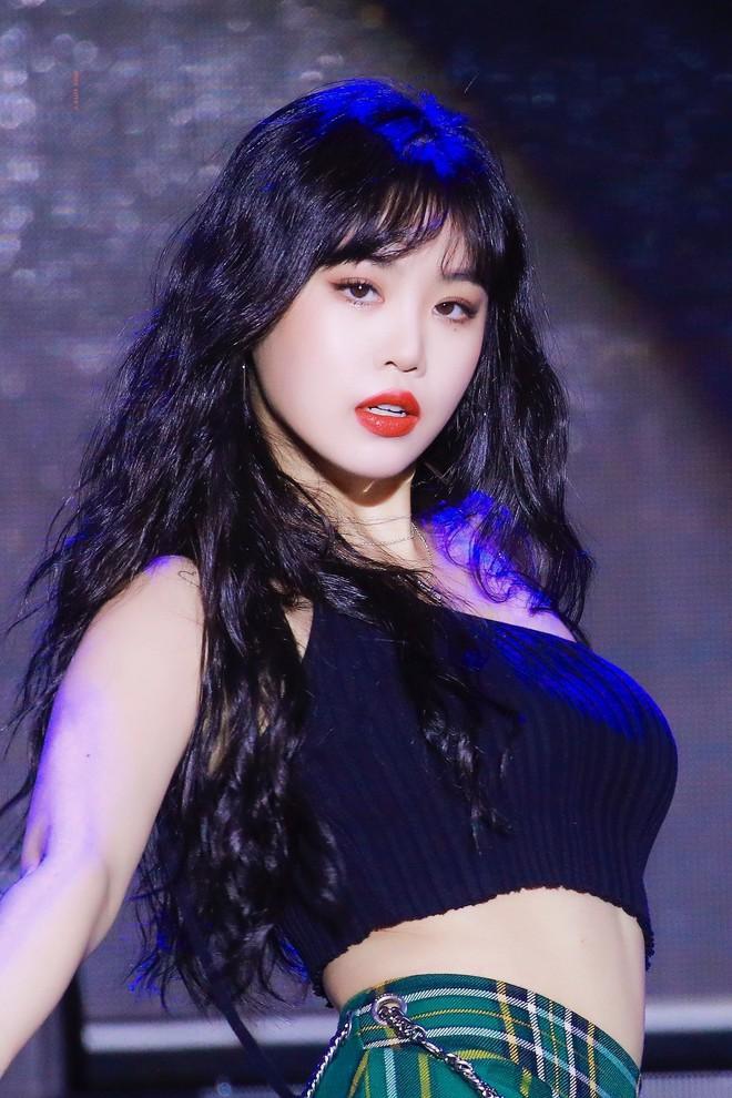 Diễn biến căng đét 3 vụ bê bối bạo lực chấn động: Mingyu bị tố quấy rối tình dục, Hyunjin (Stray Kids) nhận sai, Soojin thì sao? - ảnh 7