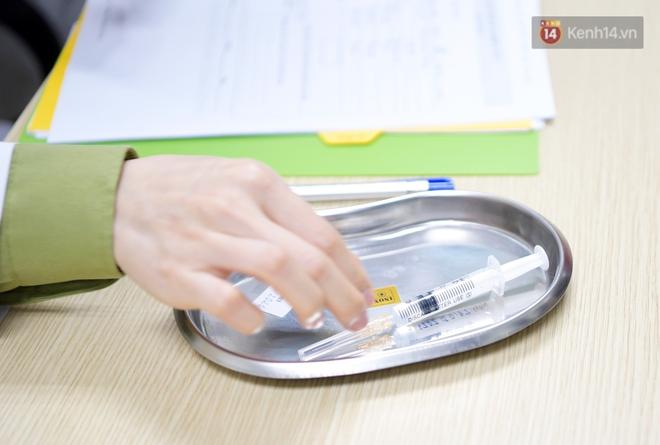 Ảnh: 35 người đầu tiên tiêm thử nghiệm lâm sàng vaccine phòng Covid-19 Việt Nam giai đoạn 2 tại Hà Nội - ảnh 11