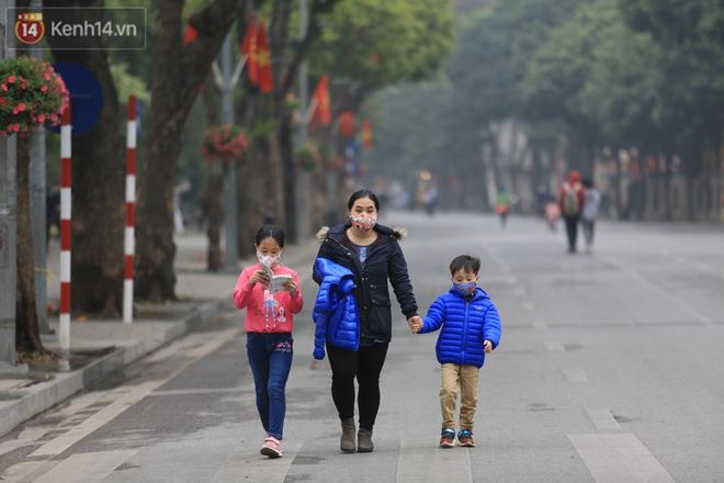 Hà Nội: Quận Hoàn Kiếm đề nghị mở lại phố đi bộ Hồ Gươm từ tuần sau - ảnh 1
