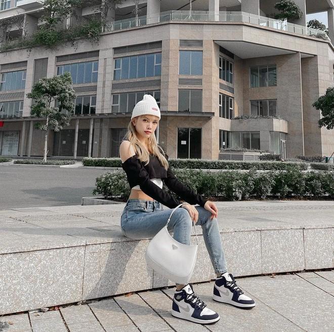Hậu lời nguyền đại sứ, Prada vẫn hot ầm ầm nhờ chiếc túi lấy lòng mỹ nhân khắp nơi, sao nữ Việt dùng cũng siêu nhiều - ảnh 16