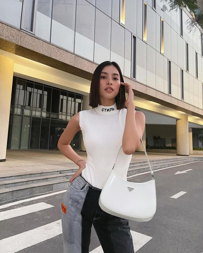Hậu lời nguyền đại sứ, Prada vẫn hot ầm ầm nhờ chiếc túi lấy lòng mỹ nhân khắp nơi, sao nữ Việt dùng cũng siêu nhiều - ảnh 19